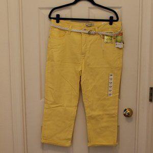 Lee Yellow Capris size 16